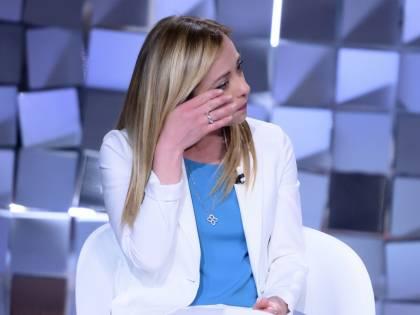 """La Meloni si confessa in tv: """"Cosa mi disse mio padre. E quando è morto..."""""""