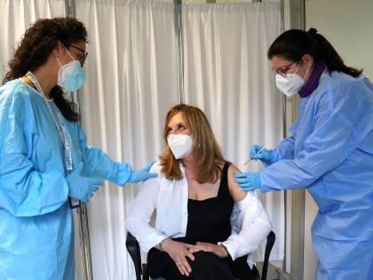 Vaccino per gli over 50: tutto ciò che c'è da sapere