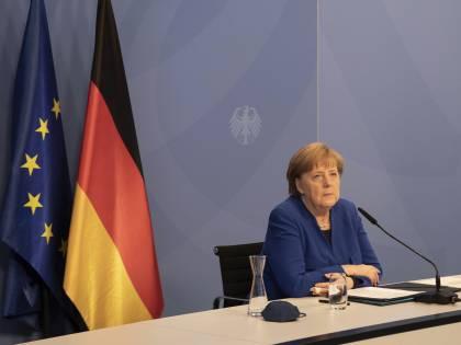 L'asse Merkel-Big Pharma contro le liberalizzazioni sui vaccini