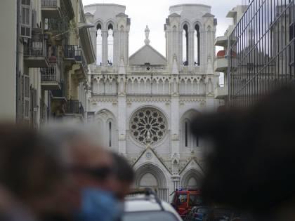 La cristianofobia che assedia le chiese francesi