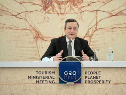 Le 3 date per l'addio al coprifuoco: ecco il piano di Draghi