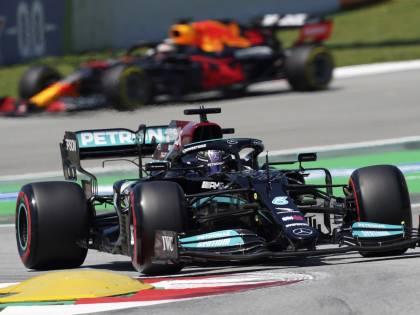 Hamilton a quota 100, ma non va in pensione. E Leclerc fa il miracolo