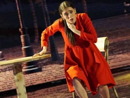 """Amici, Giulia si sente male durante l'esibizione: """"Ha continuato a ballare"""""""