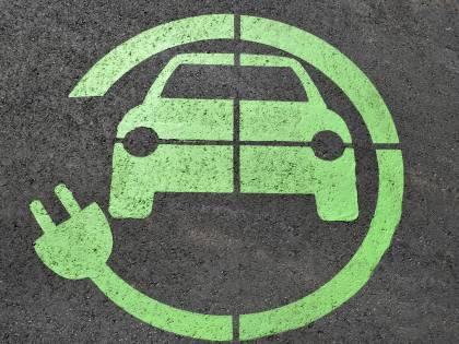 Tra 2030 e 2040 solo auto elettriche