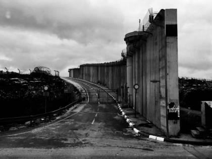 Cemento, razzi e memorie di #guerra: Israele in bianco e nero