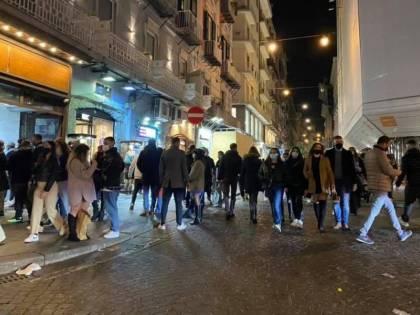 L'Italia in giallo, l'Rt in calo: perché si può riaprire davvero