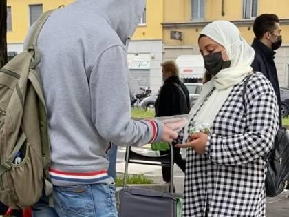 Il suk degli stranieri: che fine fa il cibo per i poveri