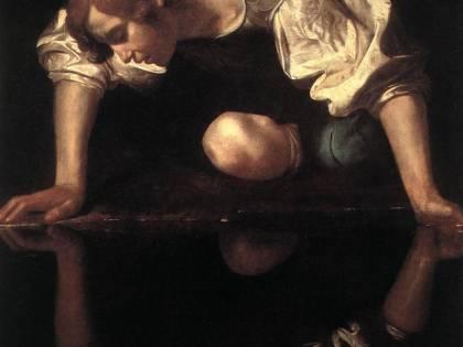 """Narciso si specchia e dice: """"Io non sono Caravaggio"""""""