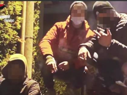 Pestaggi, rapine e furti: così la gang terrorizza la provincia