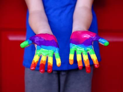 Caos gender nel Lazio. Salta la nota alle scuole dopo l'onda di proteste