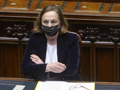 """La Lega sfiducia Lamorgese """"Bisogna fermare gli sbarchi"""""""