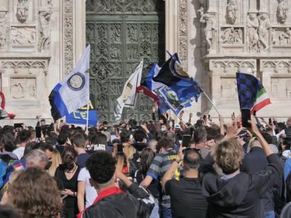 Festa scudetto per 4.500. Centro e movida presidiati contro gli assembramenti