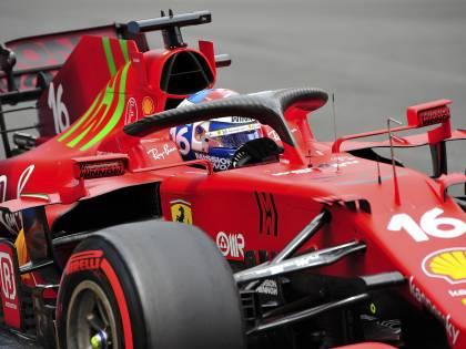 Leclerc concede il bis: pole sulla pista-mostro. La Ferrari sta crescendo
