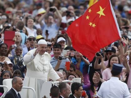 """Pechino, retata in chiesa. """"Il vescovo e i sacerdoti sono criminali e illegali"""""""