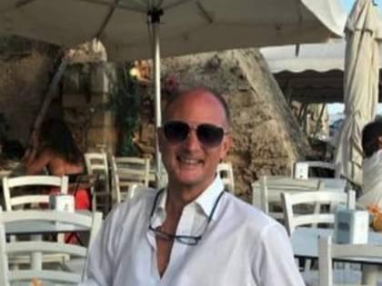 """""""Drogata e stuprata"""": chi è il manager che si fingeva 007"""