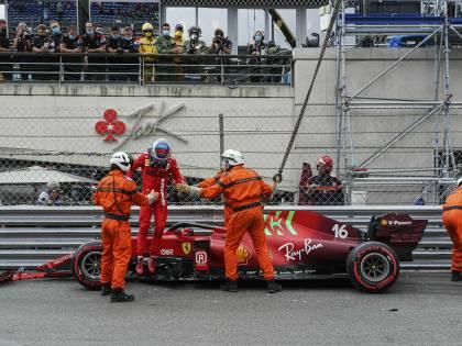 Dalla pole al disastro: che è successo alla Ferrari di Leclerc?