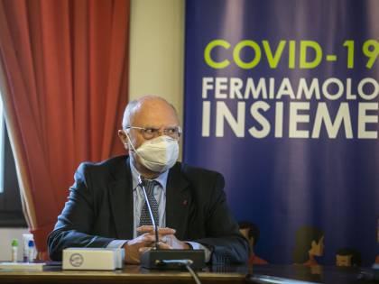 """""""Lei è il Davigo dei virologi"""". Così Vespa asfalta Galli"""