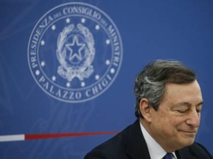 Le folli manovre dei 5s per far saltare Draghi. E Conte…