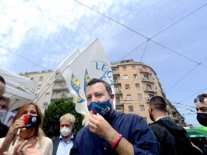 """Ue, Salvini: """"Gruppo unico di centrodestra"""". Ma viene stoppato"""