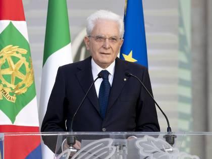 """L'appello di Mattarella agli italiani per un """"nuovo inizio"""""""