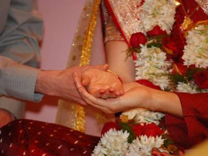 """Sposa muore durante le nozze: la """"sostituiscono"""" così"""