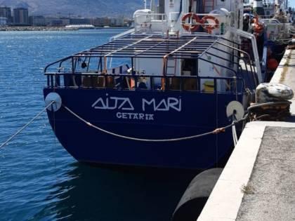 La Aita Mari ci lascia i migranti e torna in Spagna (senza quarantena)
