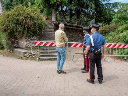 Paderno, è morto il bimbo di 3 anni investito nel parco da un 72enne senza patente