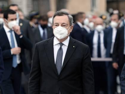 Lo scontro con le Regioni, poi la telefonata di Draghi: cos'è successo coi vaccini