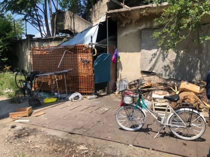 La baraccopoli cinese della vergogna: cosa accade a Milano