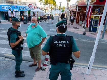 Spari alla festa a Ibiza: un italiano in fin di vita Scatta la caccia all'uomo