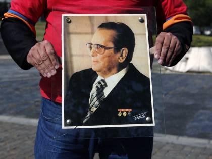 Lo sfregio dell'Italia: ancora celebra l'eroe comunista