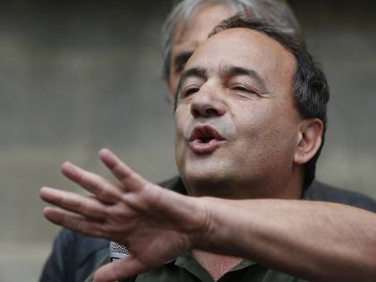 """Lucano riabilita Berlusconi: """"Perseguitato come me"""""""