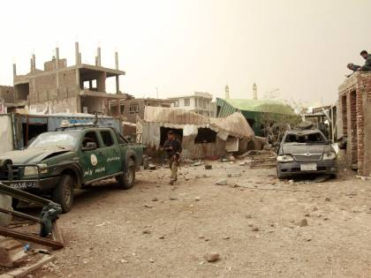 I talebani alzano il tiro e uccidono 10 sminatori