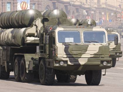 """""""Vendono armi agli alleati"""". Nuovo sgarbo di Putin agli Usa"""