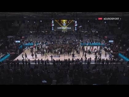 Bologna spoglia Armani. La Virtus vent'anni dopo torna regina del basket