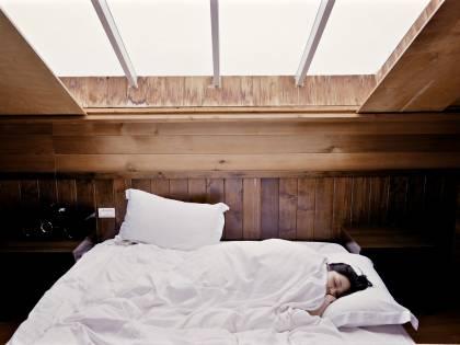 Paralisi del sonno, cos'è e come riconoscerla