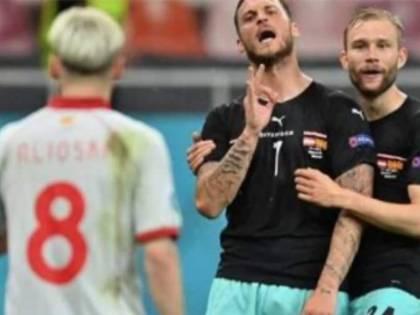 ''Mi sto f.... tua madre albanese''. La frase choc agli Europei