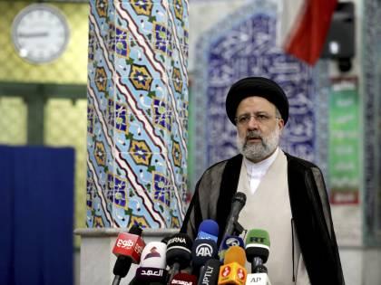 Gli ultra conservatori si prendono l'Iran: Raisi verso il trionfo