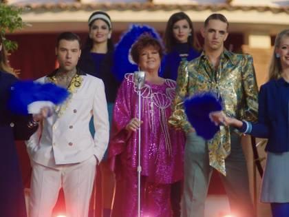 Il Codacons chiede il ritiro del video della canzone di Fedez