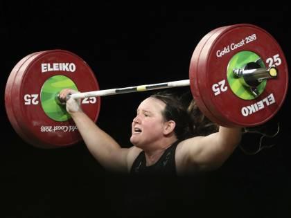 Le Olimpiadi della rinascita aprono a tifosi e... trans