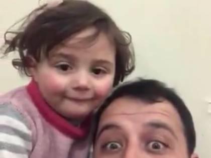 Siria, ridere sotto le bombe: così il papà inventa il gioco per non spaventare la figlia