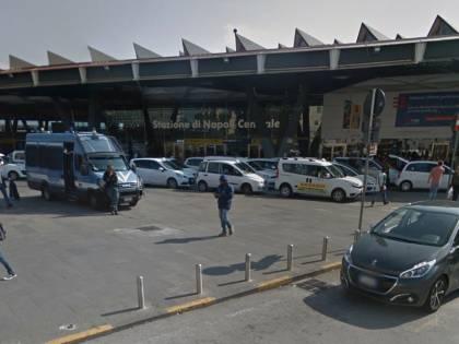 Nigeriano appicca rogo davanti la Stazione poi aggredisce due guardie giurate
