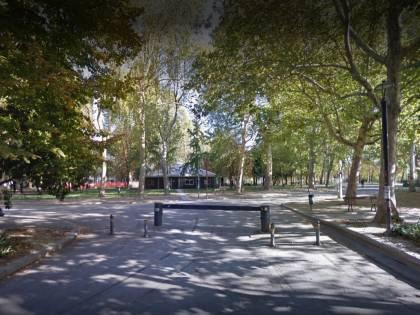 Bologna, gambiano minaccia scolaresca con un coltello: denunciato
