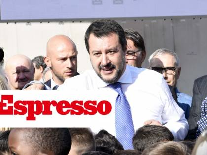 """E L'Espresso rilancia insulti a Salvini: """"È sempre una m..."""""""