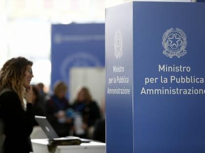 """Aumenti nei contratti Pa, al tavolo Mef e sindacati: """"Mancano 1,5 miliardi"""""""