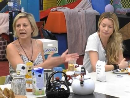 """Antonella Elia sbotta contro Licia: """"Sei una stron*a vera"""""""