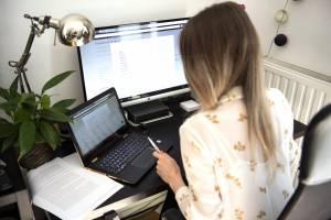 """""""In Italia smart working approssimativo. Aumenta lo stress, non la produttività"""""""