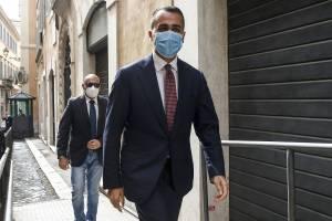 """M5s, battaglia sulle """"veline"""": è scontro tra Conte e Di Maio"""