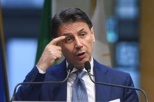 """Esplode la guerra 5s: la """"vendetta"""" di Conte"""