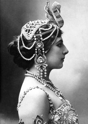 Chi era Mata Hari: il ventre della spia